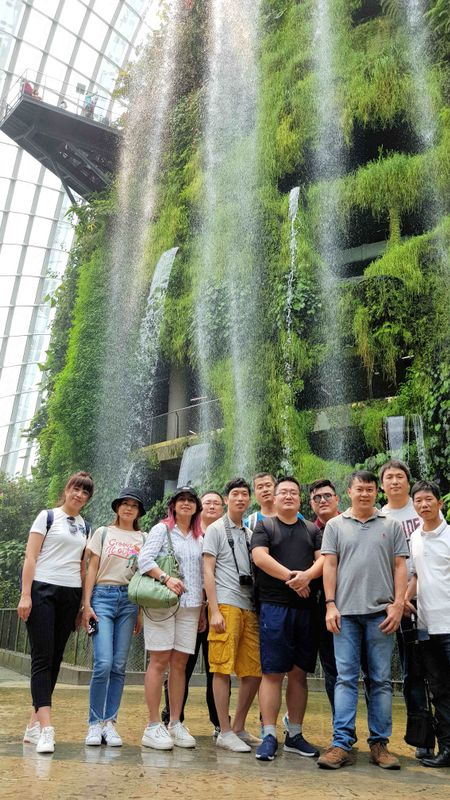 20190913_115731_Group Photo_GardenByTheBay.jpg